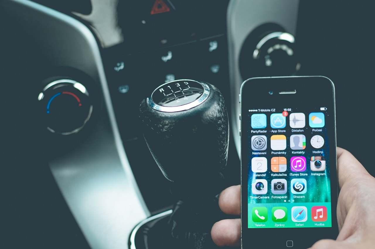 Android Auto, l'app che aiuta a non distrarsi alla guida