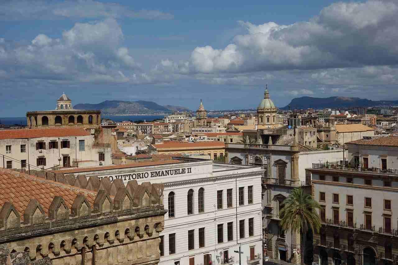 Truffa assicurazioni, inchiesta a Palermo con 16 misure cautelari