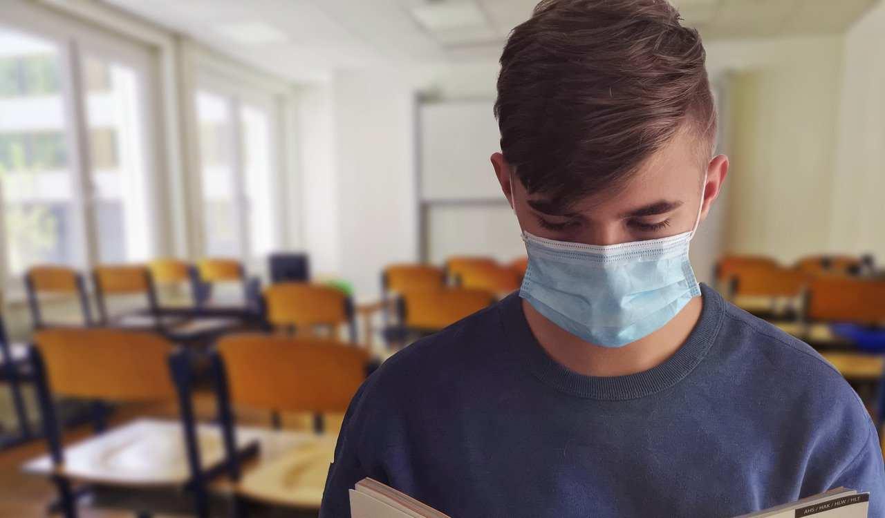 Truffa delle mascherine cinesi, sequestrati 6 milioni di pezzi