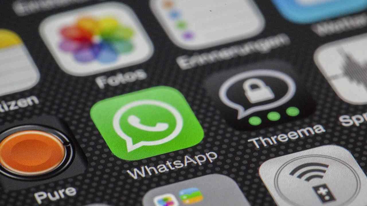Truffa, attenzione a questi messaggi WhatsApp o sms