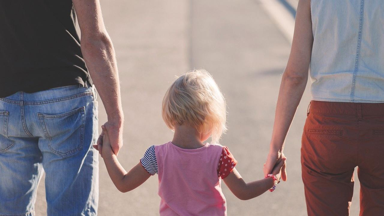 Congedi parentali e bonus baby sitter, dal Governo risorse per 290 milioni