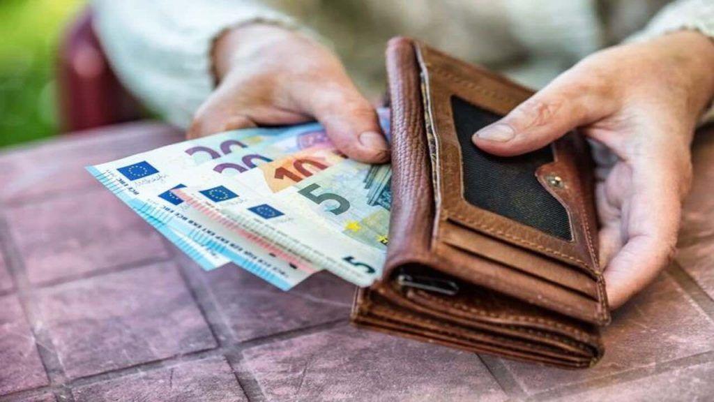 Circolare Inps: pensioni sospese per queste persone