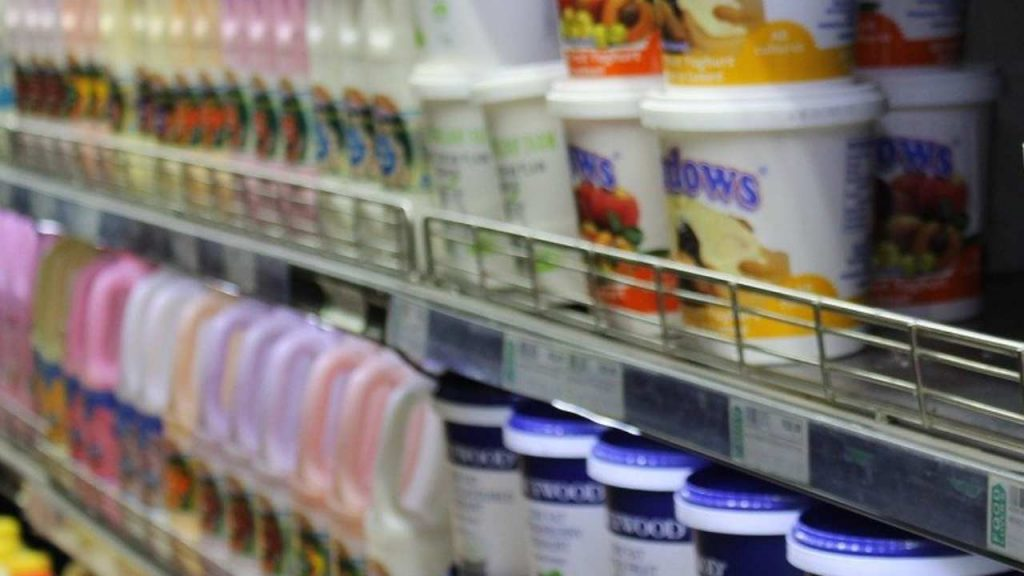 """Allerta alimentare, ritirati lotti di un noto latte: """"Non consumatelo"""""""