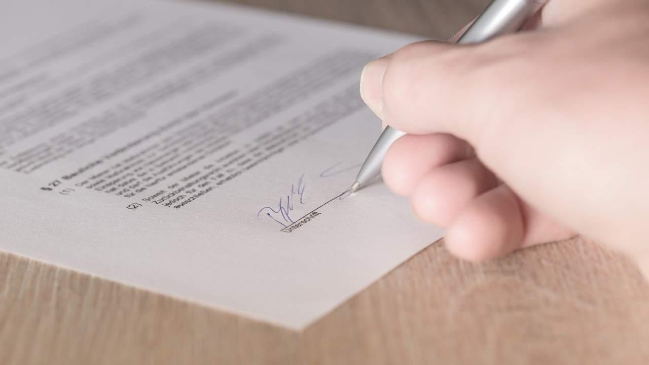 """Attenzione alle """"truffe del catalogo"""": mai firmare senza leggere"""