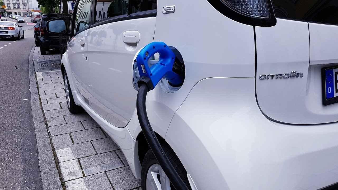 Mercato auto elettriche