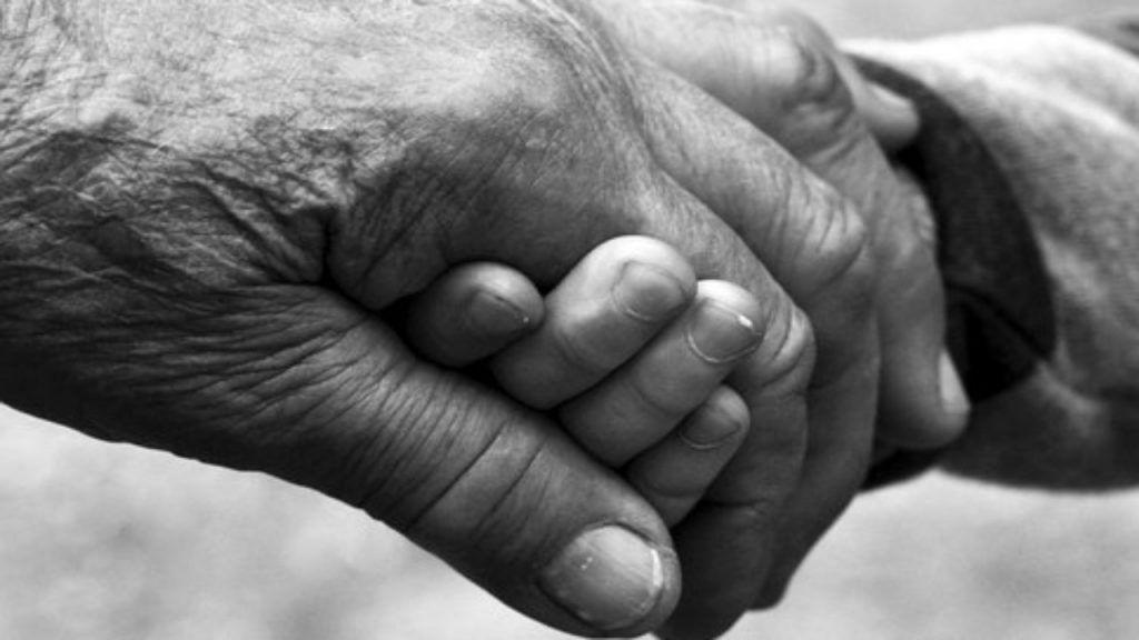 Il PNRR deve includere le necessità degli anziani non autosufficienti