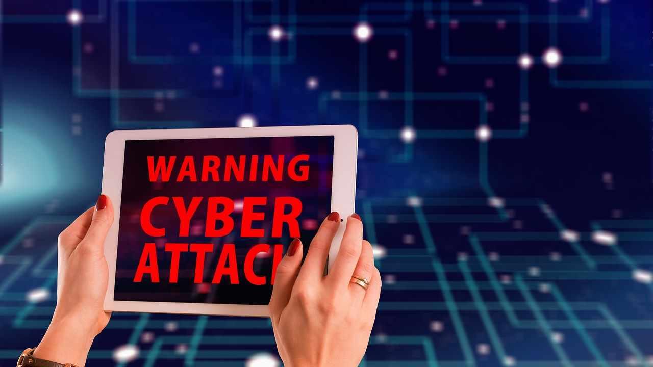 Sicurezza Informatica, attenzione al nuovo malware che arriva per sms
