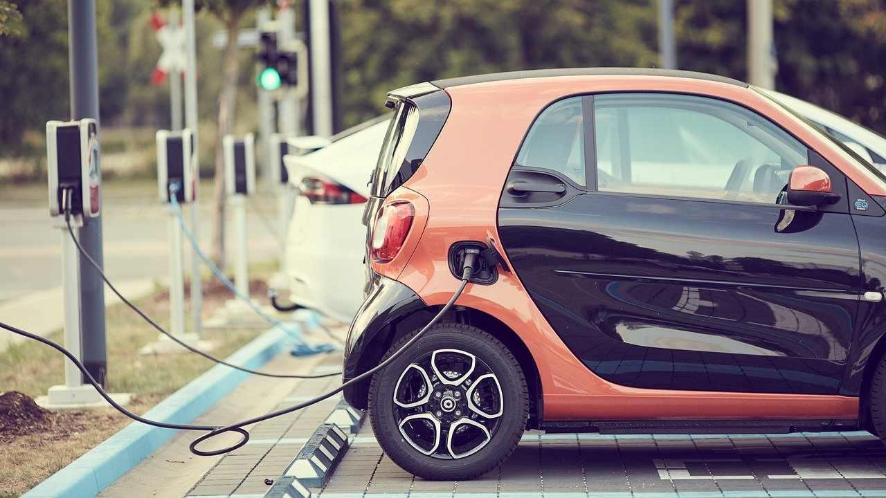 Mercato auto elettrica