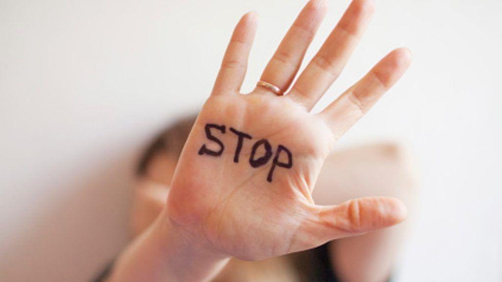 Istat, in aumento i casi di violenza sulle donne: +79,5% chiamate con richiesta di aiuto