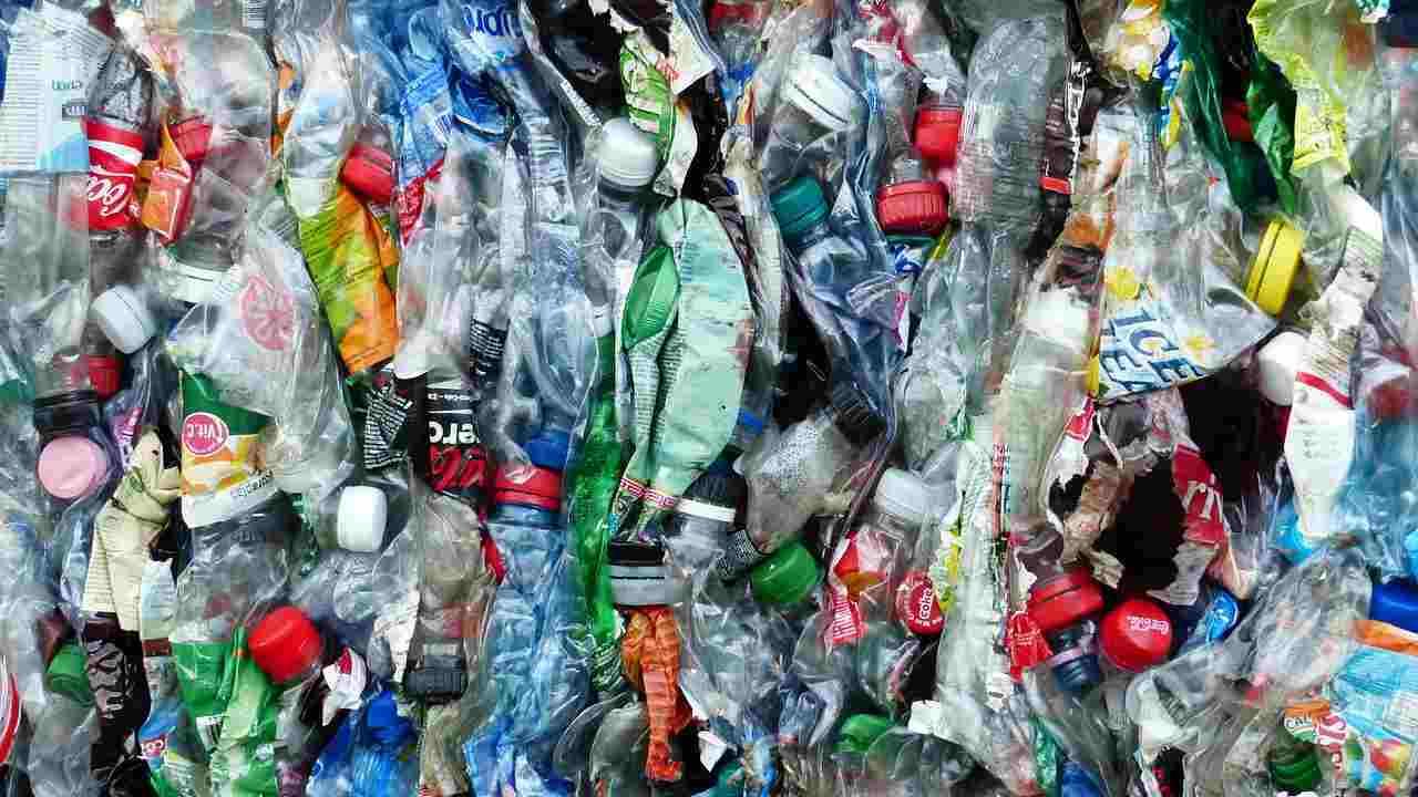 """Corepla, """"l'Italia è ancora indietro con il recupero della plastica"""""""