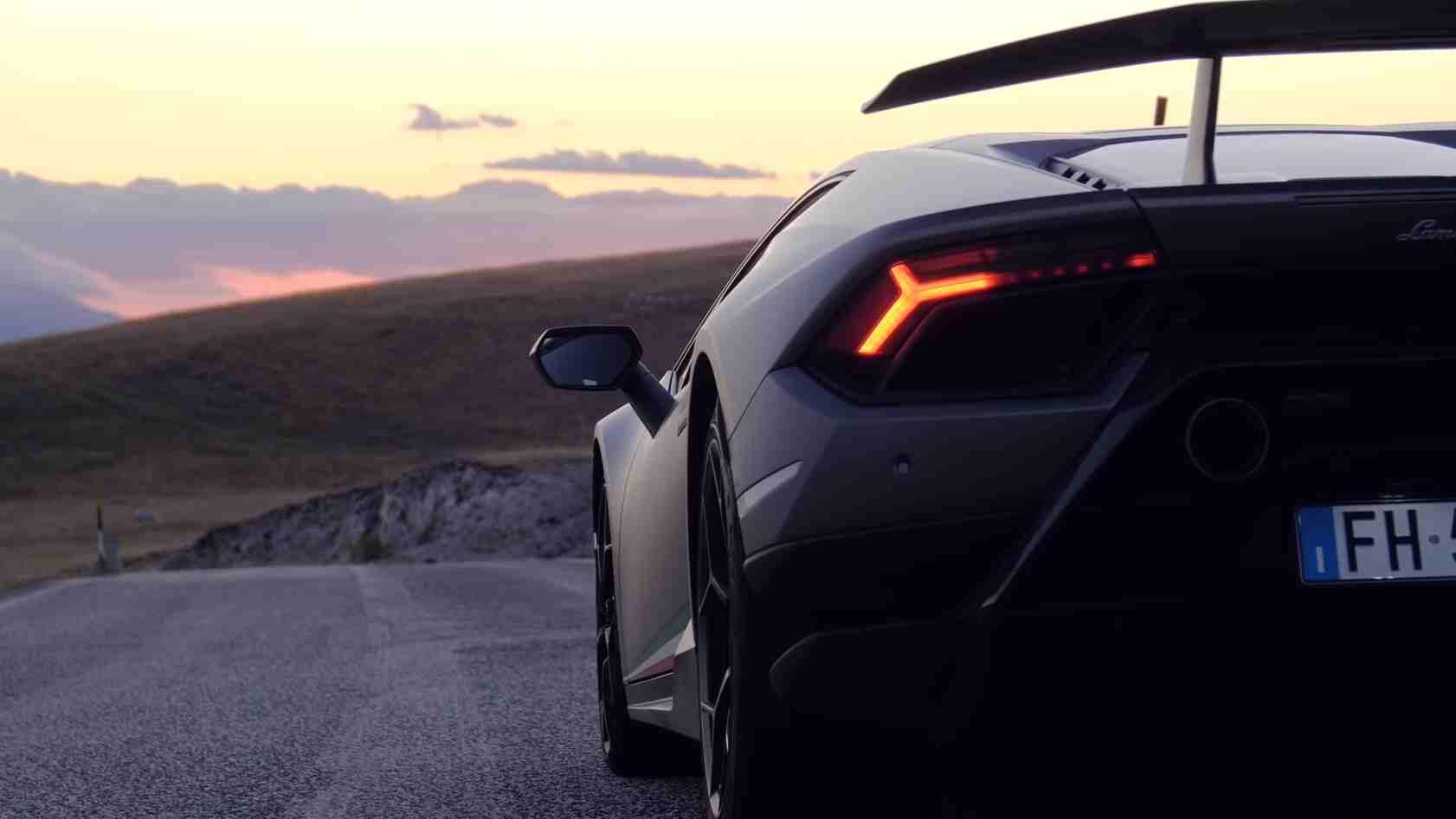 Quanto costerebbe comprare una Lamborghini? Ecco il prezzo di un sogno