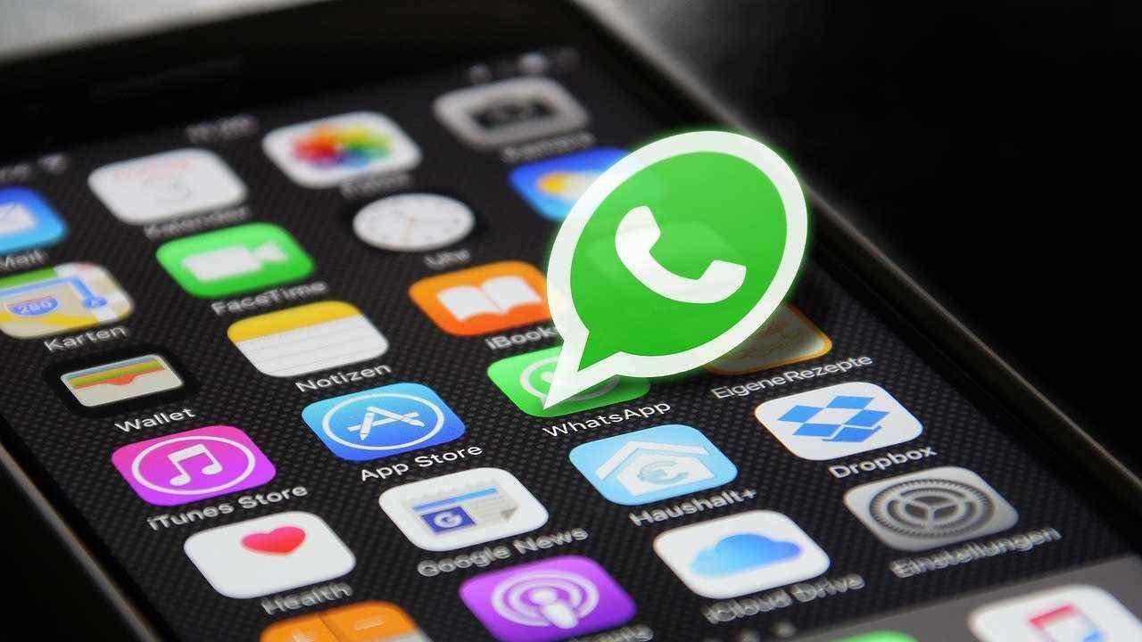 WhatsApp pronto con una nuova veste grafica