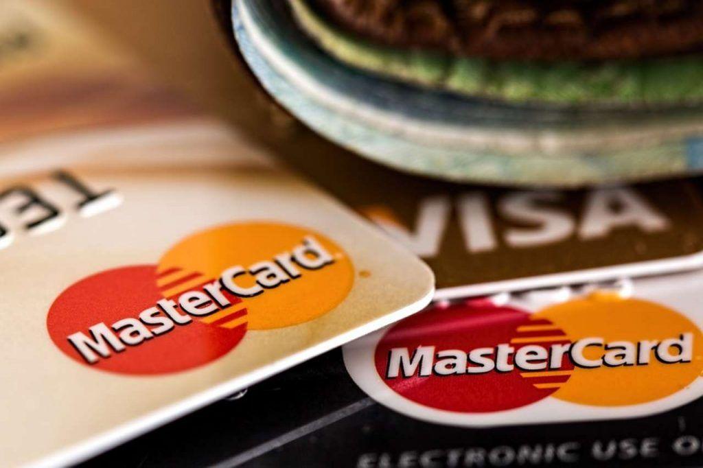 Carte di credito gratuite, le migliori offerte di giugno