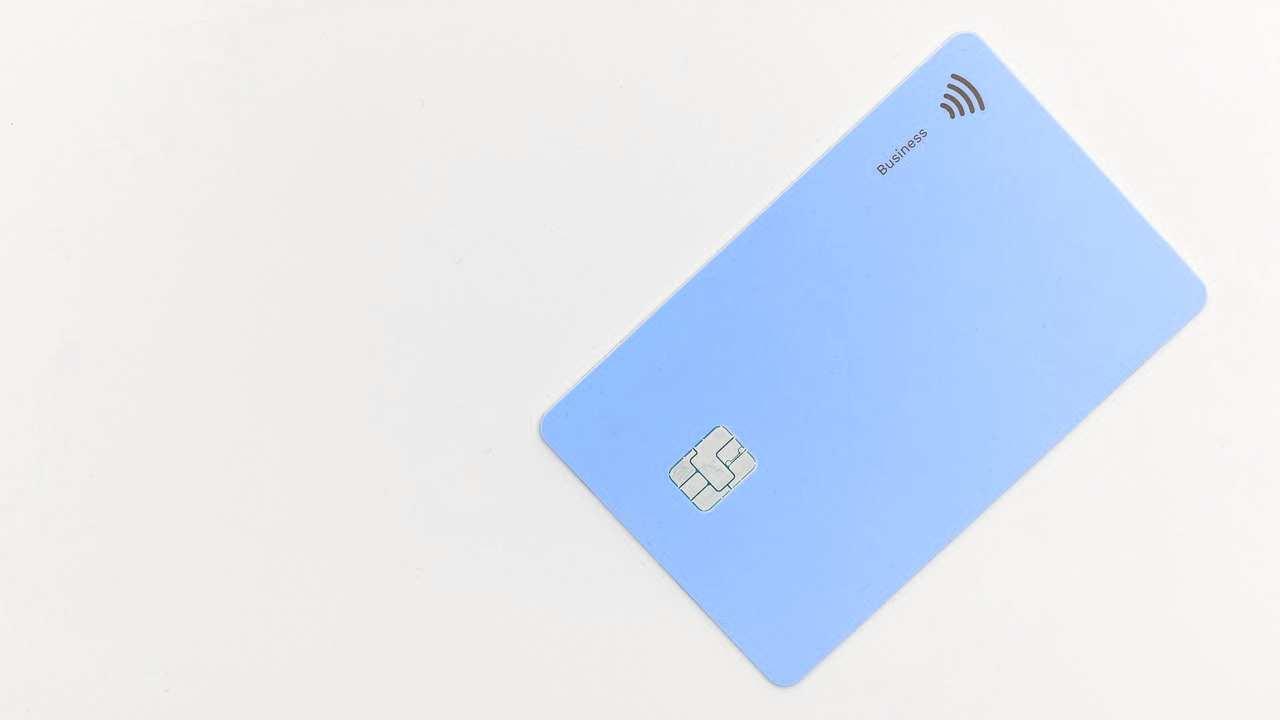 Bancomat Unicredit a rischio, la nuova truffa che arriva via mail