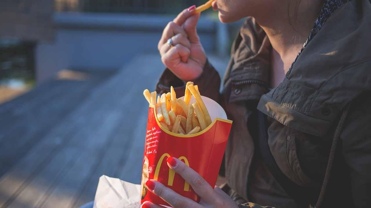 Gli alimenti ultraprocessati sono un pericolo per la salute di bambini e adulti